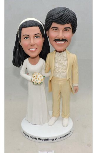 80s style couple bobbleheads anniversary gift