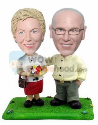 Custom Love story couple bobbleheads gift for parents 50th anniversary